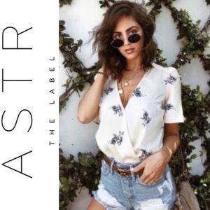 🆕 ASTR the Label Cream Floral Print Bodysuit Top